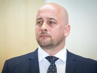 Prezidentský kandidát za SMK nevidí v jazyku problém: Politológ to vidí jasne, nechce vyhrať