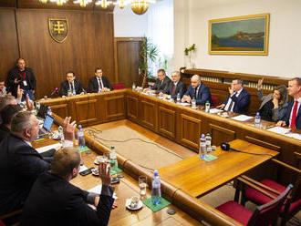 Opakovaná voľba ústavných sudcov bude opäť verejná