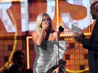 Grammy sú rozdané: Dojatá Lady Gaga si odniesla až tri ceny