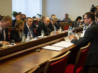 ONLINE: Poslanci rozhodnú o kandidátoch na ústavných sudcov