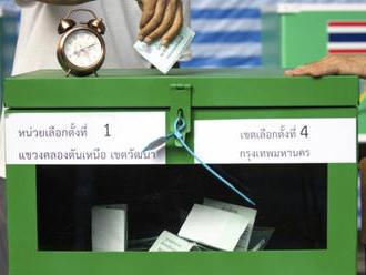 V thajských volbách zvítězí podle předvolebního průzkumu opozice