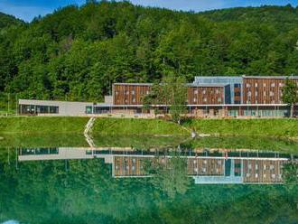 Krásu a pokoj Štiavnických vrchov si môžete dokonale vychutnať v Hoteli Salamandra****.