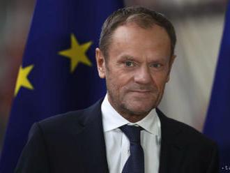 Tusk navrhne lídrom EÚ, aby zvážili dlhodobý odklad odchodu Británie