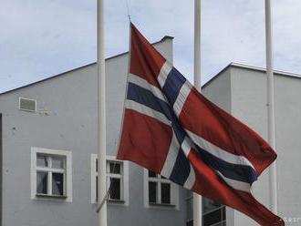 Z podpálenia ministrovho auta v Nórsku podozrievajú jeho partnerku