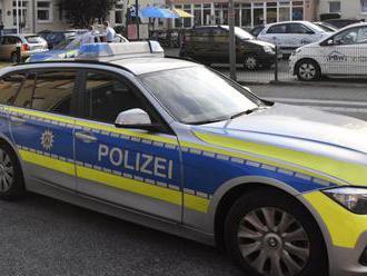V Nemecku vyšetrujú asi 100 výhražných emailov pravicových extrémistov