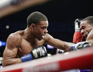 Boxer Spence obhájil titul majstra sveta vo welterovej váhe