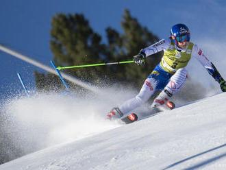 Vlhová je štvrtá po 1. kole obrovského slalomu, líderkou Shiffrinová