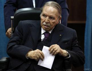 Odstúpenie prezidenta Butefliku žiada aj hlavná islamská strana