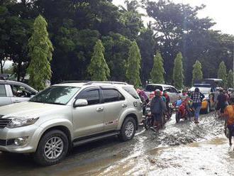 Povodne a zosuvy v indonézskej provincii Papua si vyžiadali desiatky mŕtvych
