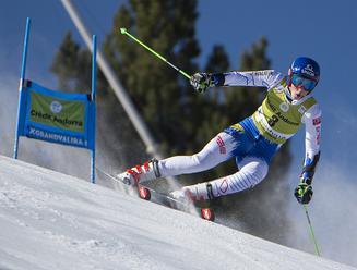 Vlhová štvrtá po 1. kole obrovského slalomu, líderkou Shiffrinová