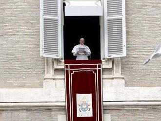 Pápež sa modlil za obete streľby v mešitách na Novom Zélande