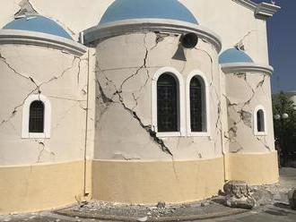 Ostrov Zakynthos zasiahlo zemetrasenie, škody nehlásia