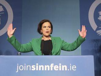 Líderku strany Sinn Féin skritizovali za protianglický transparent