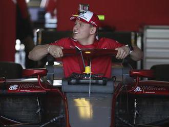 Mick Schumacher sa predstaví na oficiálnych testoch vo farbách Ferrari aj Alfa Romeo