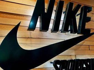 Nike dostala od Evropské komise pokutu. Omezovala prodej výrobků s logy klubů