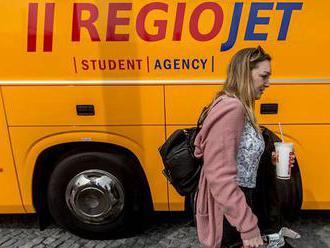 Vlaky i autobusy loni zvýšily přepravu. Autobusům výrazně pomohly i slevy