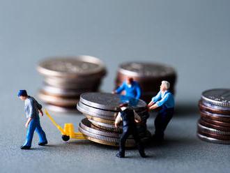 Změna exekutora není zadarmo. Může ji chtít ivěřitel. Kdo ji ale zaplatí?