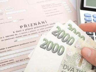 Daně 2019: Do kdy a jak musíte zaplatit daň příjmů a přehledy