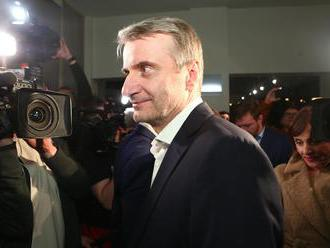 Robert Mistrík gratuluje Čaputovej, ľudí žiada, aby ju volili aj v druhom kole
