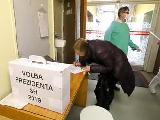Voľby sa nezaobišli bez nešťastia: Kolapsy vo volebných miestnostiach, jeden muž zomrel
