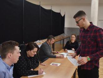V troch okresoch Trnavského kraja bola účasť nadpolovičná: Bugár mal v Dunajskej Strede štvrtinu
