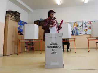 Politici vyzvali ľudí, aby prišli voliť aj v druhom kole volieb