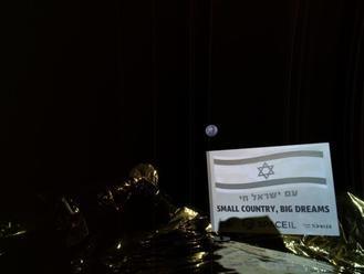 Izraelská vesmírna loď sa dostala na obežnú dráhu Mesiaca