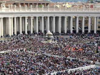 Křesťané si dnes připomínají zmrtvýchvstání Ježíše Krista