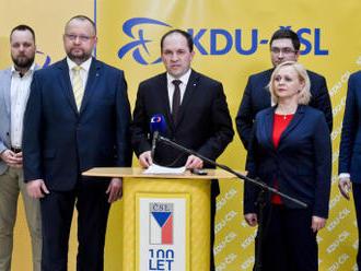 KDU-ČSL chce, aby vláda požádala o důvěru, Babiš to neplánuje