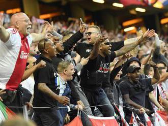 LIGA MAJSTROV: Pred odvetou polícia zadržala vyše sto fanúšikov Ajaxu