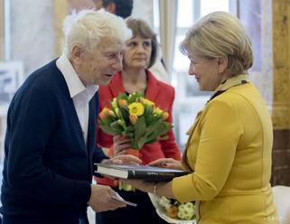 D. Šulla má v bratislavskej Dvorane najväčšiu prierezovú výstavu