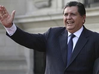 Peruánsky exprezident García sa postrelil do hlavy, keď ho prišli zatknúť