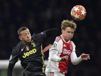 Ajaxu sa po úspechu rozpadne tím. De Jong prišiel za euro, do Barcelony odchádza za 75 miliónov