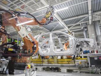 Bratislavský VW škrtá 3-tisíc miest, ale vláda preň aj tak vymýšľa nové sľuby