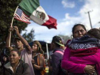 Navracanie migrantov do Mexika môže pokračovať, rozhodol americký odvolací súd