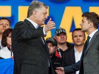 Ukraine election: Voters to choose between comedian and president