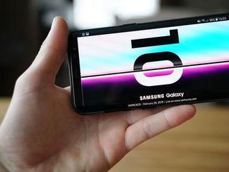VIDEORECENZIA: Súboj o najlepší telefón roka otvoril Samsung Galaxy S10