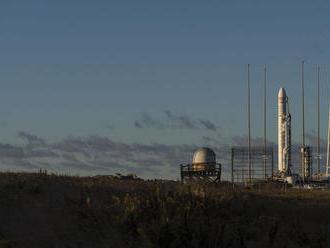 K ISS mieri so zásobami a rôznym materiálom nákladná loď Cygnus