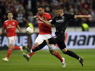 Video: Frankfurt prešiel v Európskej lige cez Benficu, Slavia potrápila Chelsea