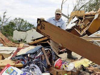 Juh USA pustošili tornáda a silné búrky. Zahynulo osem ľudí, z toho tri deti