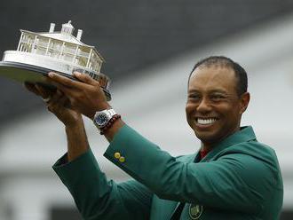 Tiger Woods sa definitívne vrátil medzi elitu. Na titul z Masters čakal rekordných 14 rokov