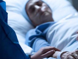 Žena sa prebrala z kómy po 27 rokoch. Prvé slová venovala synovi, pre ktorého sa obetovala