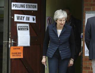 Poslanec Rees-Mogg kritizoval nový brexitový plán Mayové