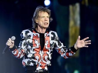 Jagger nedlouho po operaci srdce ukázal, jak mu to tancuje