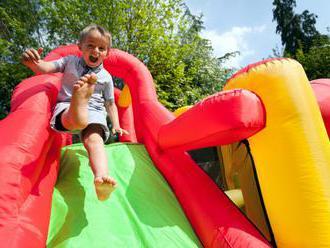 Radost, smích, zábavu i dobrodružství nejen pro děti přiváží Partysaurus!