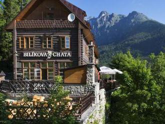Horský hotel Bilíkova chata sa nachádza na južnom svahu Slavkovského štítu, Vysoké Tatry na dosah.
