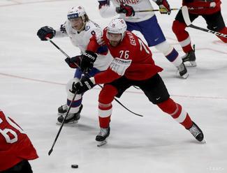 Švajčiari zdolali Nórov a vykročili tak k štvrťfinále