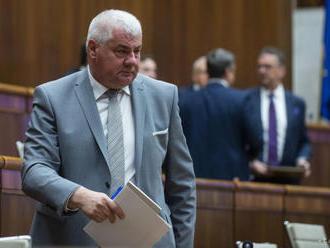 Opozičné OĽaNO žiada odvolanie ministra Á. Érséka