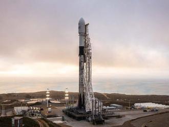 Watch SpaceX launch the first 60 Starlink internet satellites into orbit     - CNET