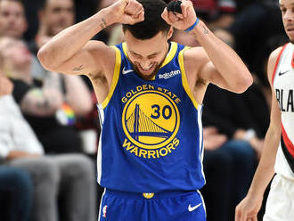 Stephen Curryt az öccse hozta szégyenbe egy labdalopással